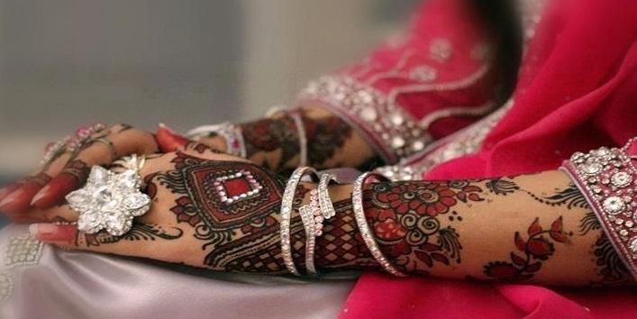 Mehndi Designs Of Back Hand : Lovely back hand mehndi designs khoobsurati