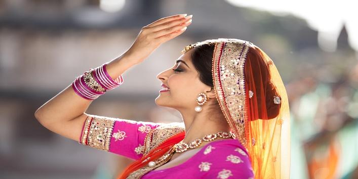 Bollywood Stars Receive The 'Ghanta Awards5