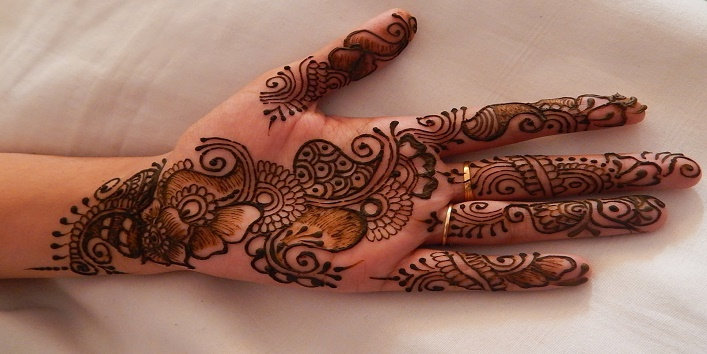 Bombay Style Mehndi Designs9