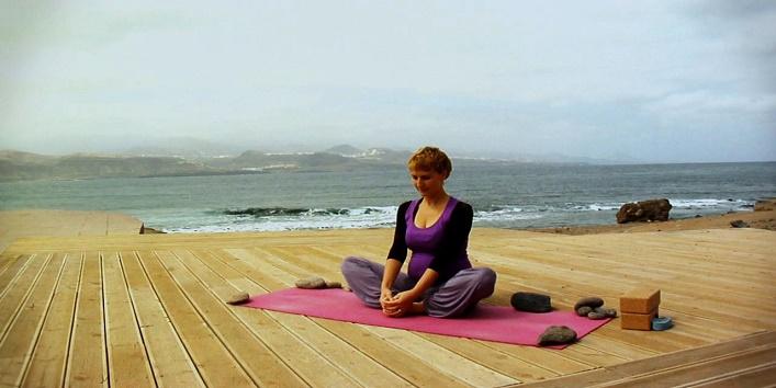 yoga Poses for Pregnant Women (6)