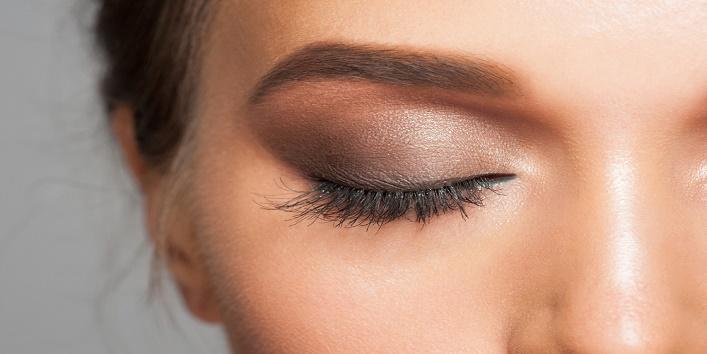 gothic-eye-makeup-tips-for-this-wedding-season-6