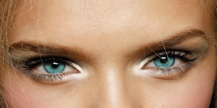 gothic-eye-makeup-tips-for-this-wedding-season-7
