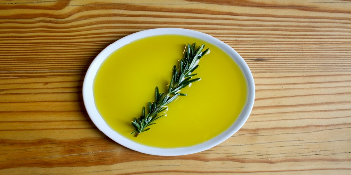Olive Oil Can Relieve Period Pain3