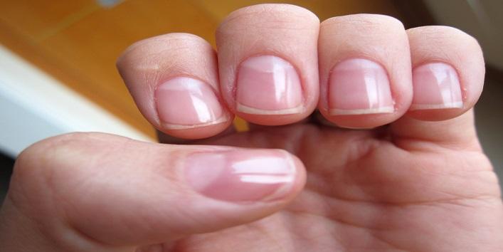 Make your nails shiny