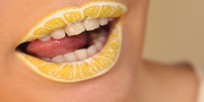 Scrub-your-lips
