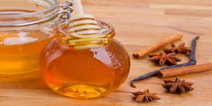 Honey-and-Cinnamon-water