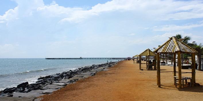 puducherry beach in india