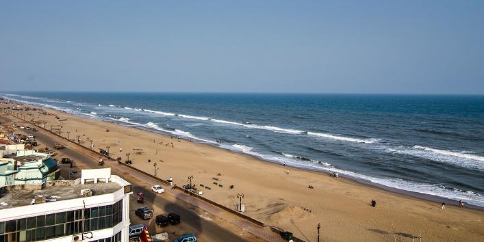 puri beach in india