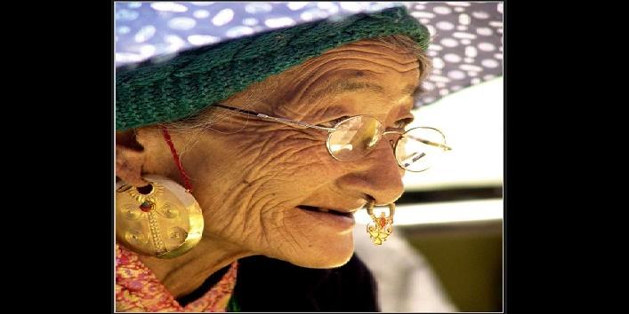 Grandmother-knows-EVERYBODY