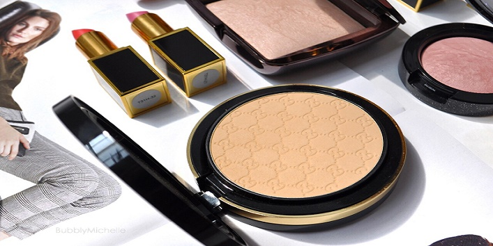 How-to-apply-powder-highlighter