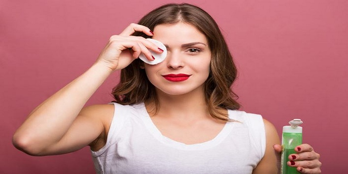 Remove-your-makeup-before-sleeping