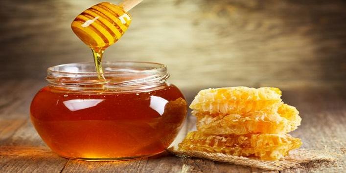 Honey-for-smooth-skin