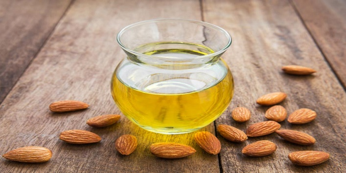 Almond-oil-for-softening-lips