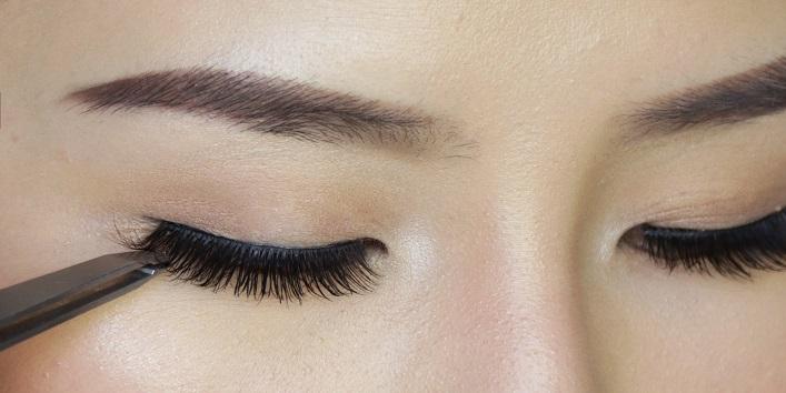 Use fake eye lashes