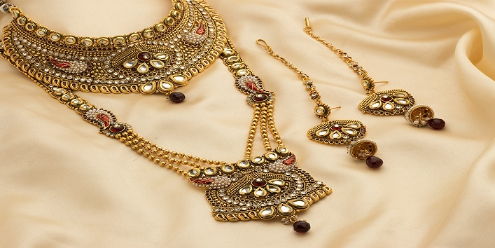 6-Wedding-Jewelry-Shopping-Tips-for-Budget-Savvy-Brides-3