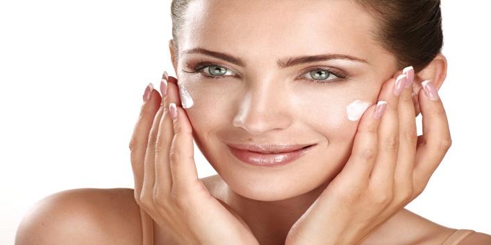 Hacks-to-Apply-Makeup-on-Dry-Skin-3