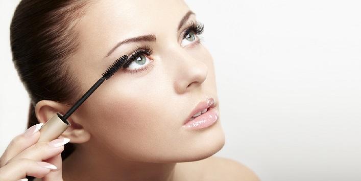 best way of applying mascara and kohl