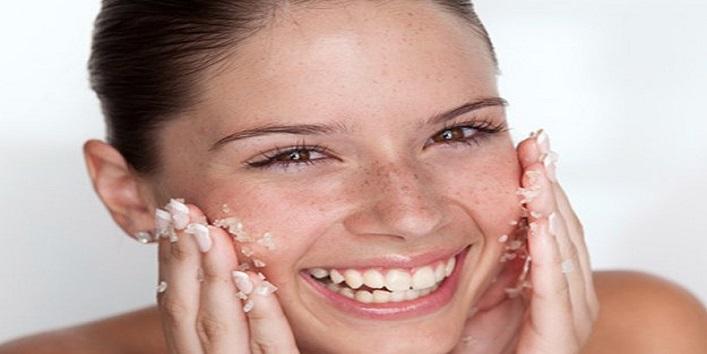 Exfoliate your skin with homemade scrub