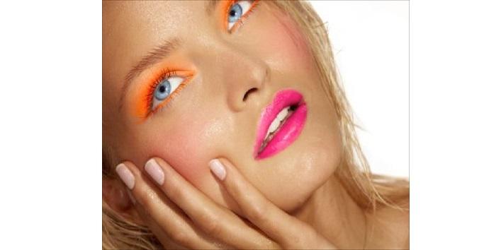 Avoid bright makeup
