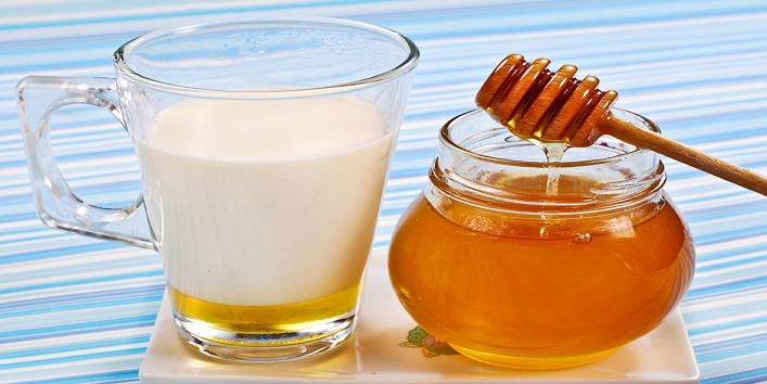 Milk with honey and liquorice
