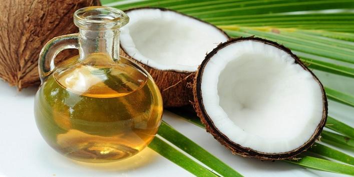 Coconut oil and aloe vera mask