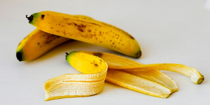 Use Banana Peel for Treating Mosquito Bites
