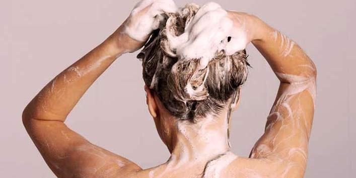 Detox your hair using baking soda