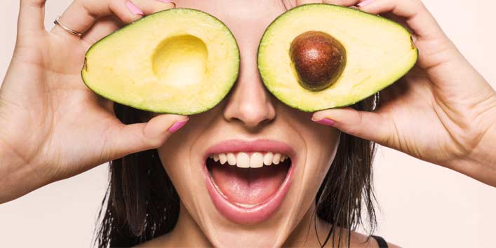 Get Alluring Eyes with Avocado