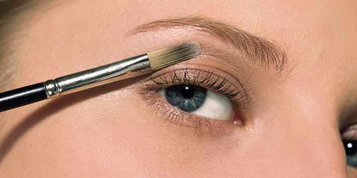 Applying Foundation Over Eyelids