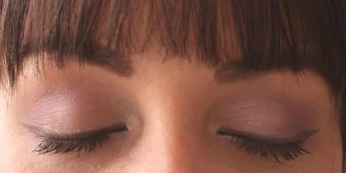 Using Powder Eye Shadows