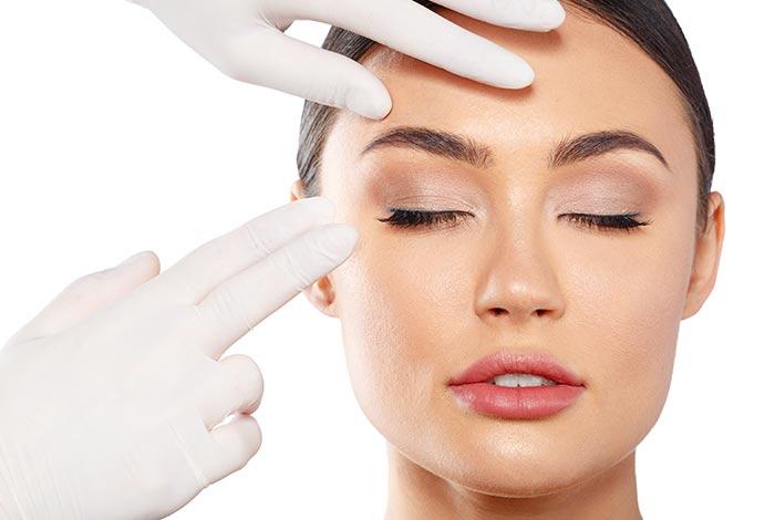 Massage-the-eye-region