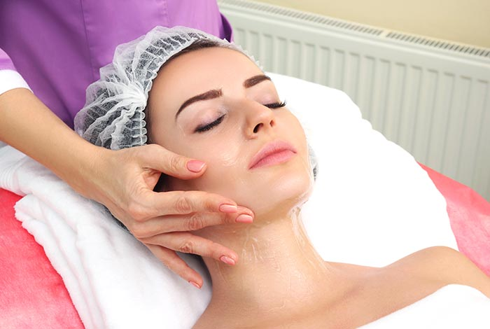 Massage-the-outline-of-your-face