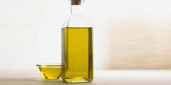 Benefits-of-using-the-Mehndi-Oil
